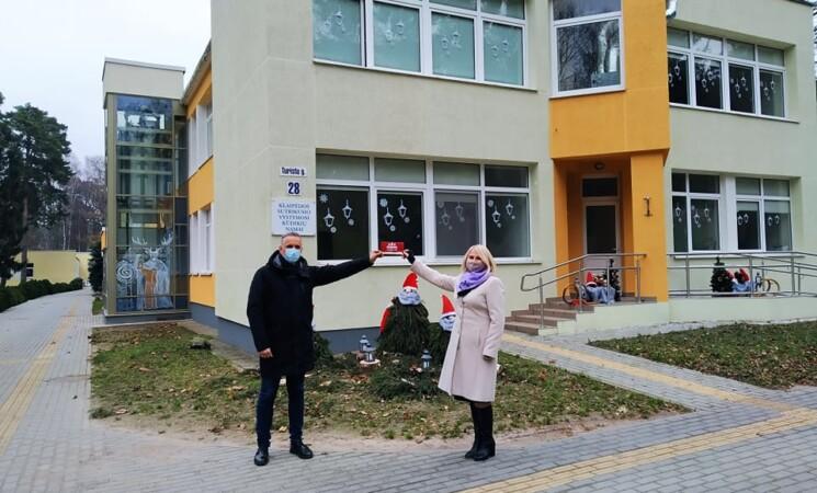 Klaipėdos socialdemokratai artėjančių švenčių proga pasveikino Kūdikių namų vaikučius ir darbuotojus